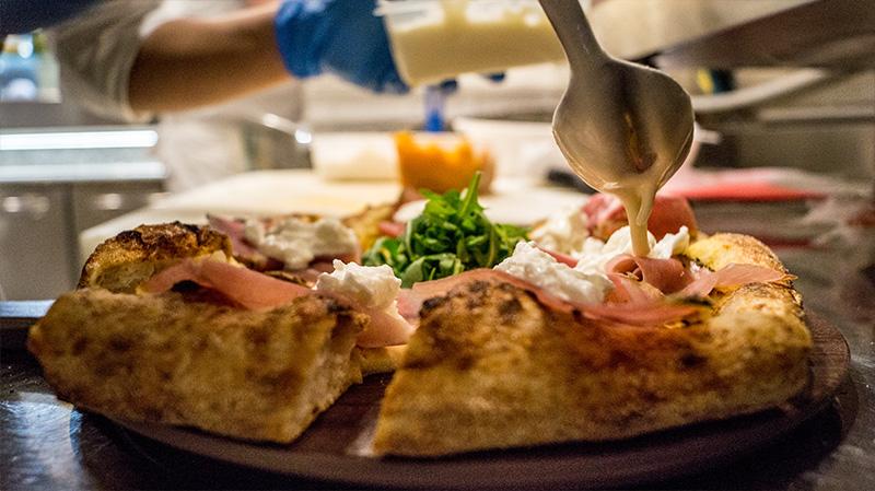 Dettaglio pizza Apud Jatum