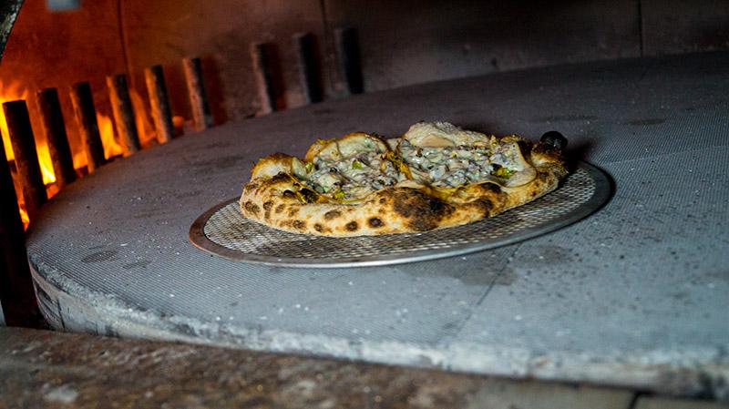 Pizza in forno Apud Jatum